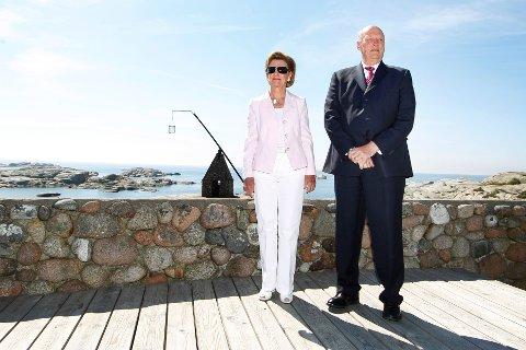 Kong Harald og drønning Sonja på Verdens Ende på Tjøme i 2012.