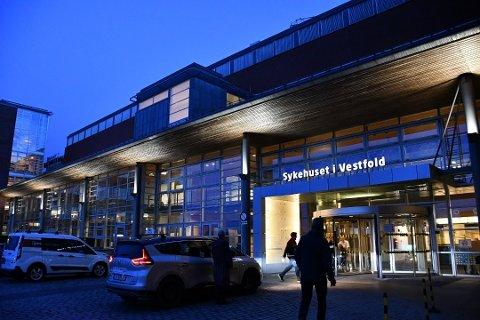 Mandag fikk den første pasienten ved Sykehuset i Vestfold påvist koronavirus.