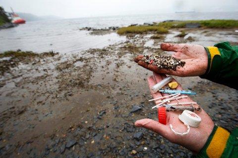MIKROPLAST: Plastavfall går i oppløsning og havner i skjell. Nå har forskerne funnet ut at Færder er blant stedene med størst forekomst.