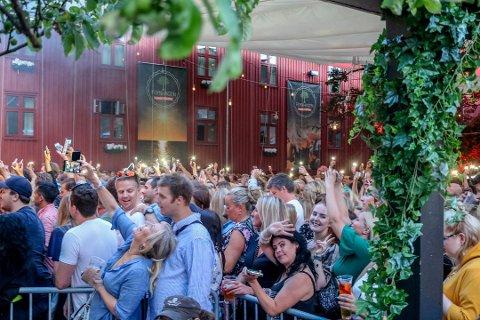 GOD STEMNING: Dette bildet er fra Aqua-konserten i Foynhagen i 2019. Det er foreløpig uklart hvordan det blir med konsertene her i sommer.