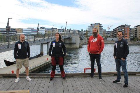 REGATTASEILING: Ken, Linda, leder for aktiviteter i Vestfold og Telemark, Bertil Hjortland, og prosjektleder Sverre Tolfsby er glade for at de får kjøpt en egen båt til regattaseilingen de driver med.
