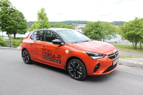 TVILLING: Nye Corsa-e er den andre elbilen til Opel på det norske markedet. Bilen deler teknologi med Peugeot e-208.