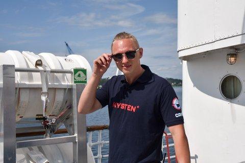 """SOMMERJOBB: Alexander Ulriksborg stortrives som matros ombord på """"DS Kysten"""", et skip også hans far har et nært forhold til."""