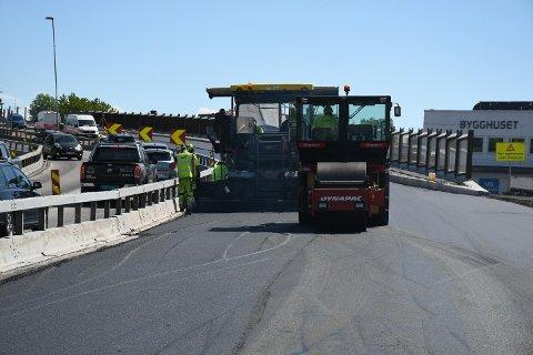 VEI I VELLINGA: Her kommer asfalten på plass i den nye delen av Presterødbakken.