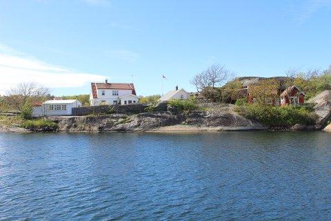 DYRT: Denne eiendommen på Hvasser lå ute til 15 millioner kroner, men gikk for halvannen million over takst.