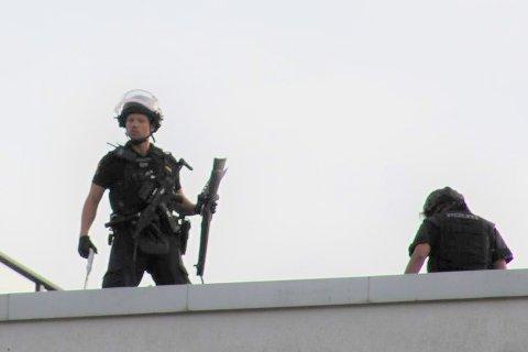 TOK BESLAG I VÅPEN: Politiet tok beslag i et våpen som ligner på en hagle, men det er uklart om våpenet var skarpt.