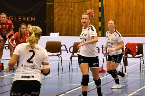 TRAFF PÅ DET MESTE: Mari Finstad Bergum fikk til nesten alt hun prøvde på foran Fana-målet, og scoret halvparten av Flints mål i kampen.