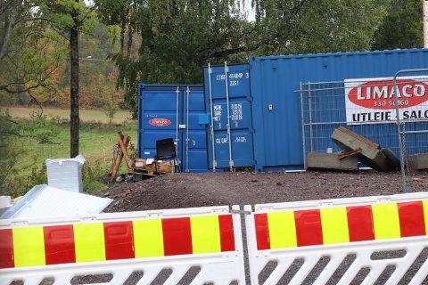 Verktøy og annet utstyr for rundt 200.000 kroner ble stjålet fra Gran VVS AS. Det var innbrudd i kontainere på byggeplassen til den nye Montessori-skolen.