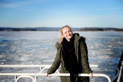 """DOKUMENTAR: Emilie Beck har i mer enn tre år arbeidet med filmen """"Veien hjem"""". I løpet av året skal den etter planen være klar."""