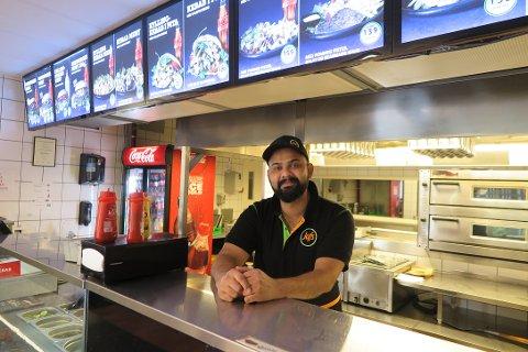 SPENT: Choudhry Nader Ghomanhar har vært daglig leder på Spicy i fire år og er spent på hvordan sammenslåingen vil bli tatt imot.