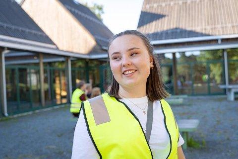 VANSKELIG TID: Avgangselev og ungdomspolitiker Konstanse Marie Alvær forteller at det er tøffe tider på skolen.