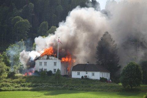 Slik så det ut da leietakeren brant ned huset.
