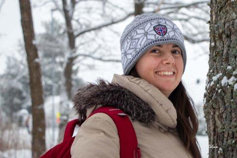 HALVANNET ÅR: Biljana Jesic håper hun kan se familien sin i Serbia til sommeren. Da er det halvannet år siden hun så dem sist.