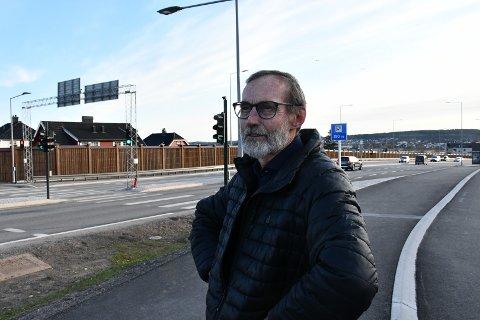 FÅTT NOK: Eivind Johnsen er lei av å høre om alle som klager over 2+-feltet i Presterødbakken. Selv ser han ikke det store problemet.