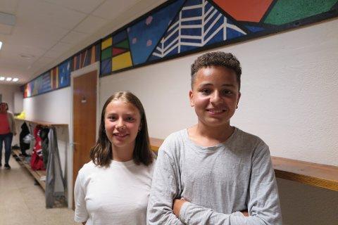 HISTORISKE: Vilde Synnøve Budeng-Larsen og Dylan Mathias Fadum er de siste 7. klassingene som kommer til å gå på Herstad barneskole.