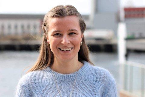 KRITISK: Det er bra at det er tverrpolitisk vilje til å løfte de svakeste elevene i Vestfold og Telemark, men det må brukes mer penger for å få det til, understreker fylkestingsrepresentant Karoline Aarvold (H).