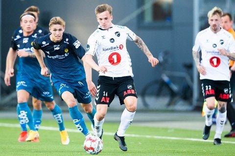 TILBAKE TIL TØNSBERG: Conrad Wallem og Odds Ballklubb kommer til Tønsberg gressbane i 1. runde NM. Her er Husøy-gutten i aksjon for Odd i en eliteseriekamp mot Bodø/Glimt tidligere i år.