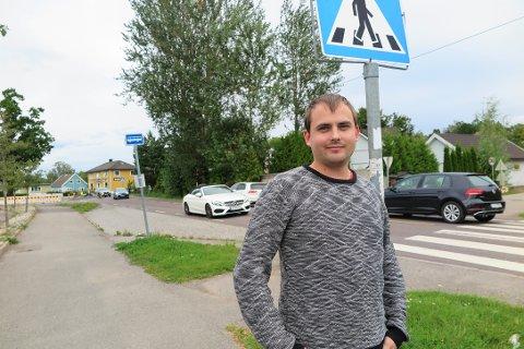 KJØRER HER HVER DAG: Ole Kristian Gran er en av bilistene som kjører den køpregede strekningen hver dag til og fra jobb.