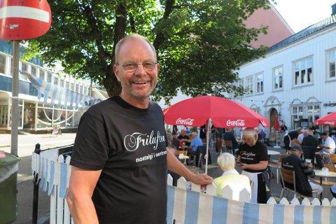 FORNØYD: Jon Edgar Karlsen er glad for at så mange tok turen til Friluften.