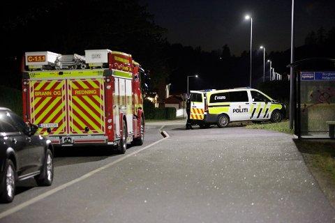 UNGDOMMER TATT: Politi og brannvesen rykket ut til Borgheim etter meldinger om at tre ungdommer hadde tatt seg inn i det gamle kommunehuset.