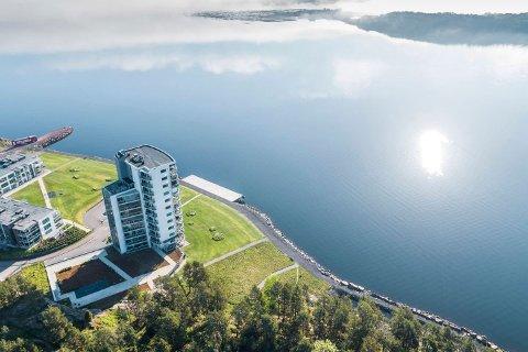 NYE EIERE: Tårnet på Jarlsø har fått nye beboere etter eier Robin Solum fra Jarlsø Eiendom AS valgte å selge luksusleiligheten i 11. etasje.