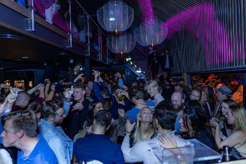 NATTKLUBB: Nå fungerer Foyn restaurant også som nattklubb på kveldstid i helgene.