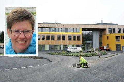I DIALOG: FAU-leder ved Vestre Toten ungdomsskole, Birgit Tryland, er nå i dialog med Innlandstrafikk for å forsøke å bedre situasjonen på skolebussene.