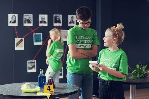 HÅPER PÅ SOMMERSKOLE: Vitensenteret Innlandet og Forskerfabrikken håper at det blir mulig å holde kursene på Toten i år, tross at påmeldingene har latt vente på seg.