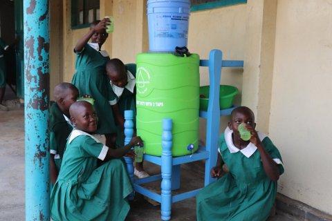 NØDROP: Raufoss Rotaryklubb har mottatt nødrop fra kontaktene deres i området som ligger i utkanten av vest-Kenya, Siaya County. De trenger hjelp til å få på plass mer rent vann.