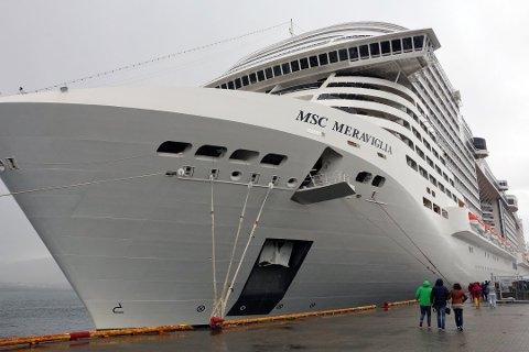 Tromsø er en populær cruisehavn. Her er det MSC Meraviglia som er i havn.