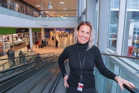 TO LEDIGE Senterleder Grete Irtun på K1 på Langnes i Tromsø er i dialog med flere aktører som er aktuell for de ledige lokalene.