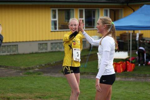 PÅ PALLEN: Grethe Tyldum (gul) ble nummer tre i juniorklassen på NM terrengløp lang løype.
