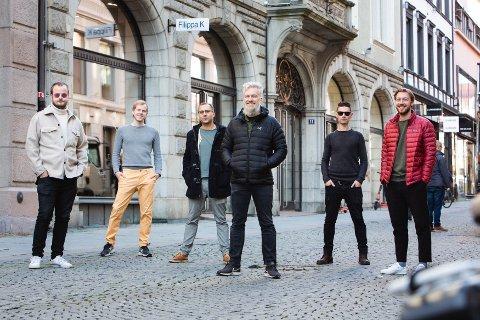 TEAM-ARBEID: Dette er gjengen bak det nye Nintendo-spillet. F.v. Syver Lauritzsen, Daniel Skogly, Michel de Brisis, Thomas Viktil, Dan Wakefield og Andreas Roel Vevle.