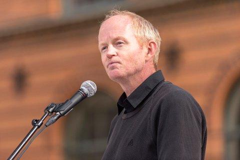 "TO TOG I TIMEN: Stortingsrepresentant Lars Haltbrekken (SV) aksepterer ikke at Jernbanedirektoratet utsetter ""To tog i timen"" på Trønderbanen til 2030.  Foto: Ned Alley / NTB scanpix"