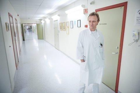 DYPDYKK:  Olaf Kleinau, er tillitsvalgt for overlegene ved begge sykehusene som er gransket av NTNU-professor Jon Magnussen. Han vil gå dypere inn i fagfelt og diagnosegrupper for å få klarere svar på skjevhetene mellom sykehusene.