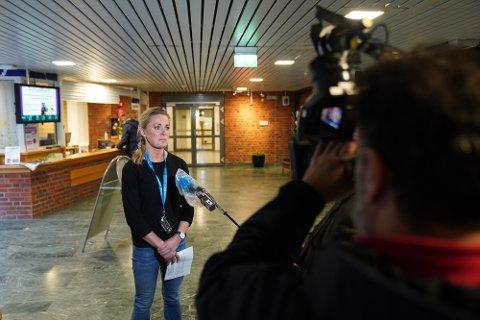 Kommuneoverlege Sunniva Rognerud opplyste om de nye tiltakene like etter klokka 13 mandag.