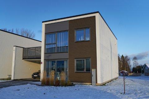 3.850.000: Halsstein Idyll 3 i Momarka i Levanger er solgt for kr 3.850.000 fra Heidi Stølan og Petter Risan til Arlyn Irinco Lein og Stian André Lein.