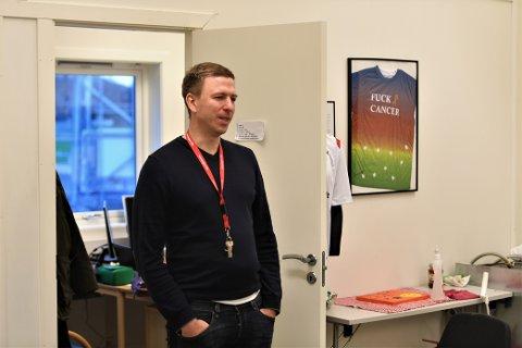 PÅ SIGNATURJAKT: Sportslig leder i LFK Sigurd Eggen er godt fornøyd med det nye tilskuddet, og varsler at det kan bli flere nye fjes før seriestart om tre måneder: - Samtidig vil det ikke bli ekstremt mange utskiftninger.