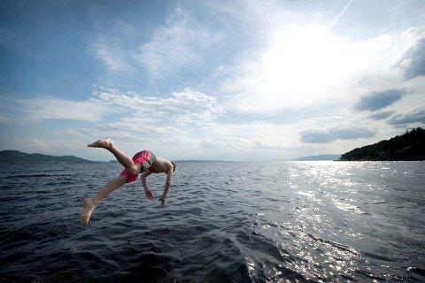 SOMMERDAGER: Sommeren 2021 kan bli den tredje beste siden tusenårsskiftet hvis godværet i helga slår til.