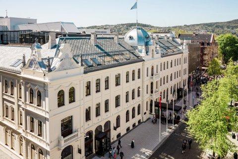 KAN BLI STENGT IGJEN: Britannia Hotel i Trondheim har vært gjennom flere permitteringsrunder under koronapandemien.