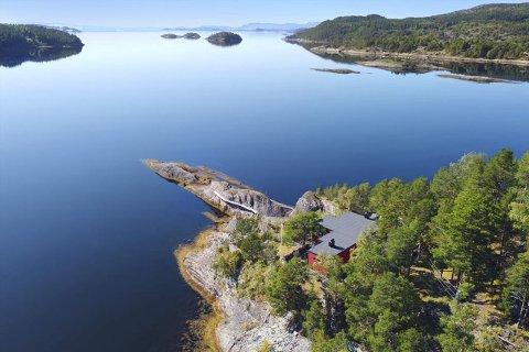 HØY PRISKLASSE: Hytta i Åsenfjorden ble solgt for 7,9 millioner kroner. Litt under prisrekorden på 8.870.000 kroner fra tidligere i sommer.