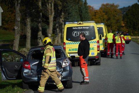 Trafikkulykke ved Alstadhaug kirke søndag. Ingen kom til skade i ulykken.