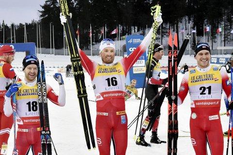 VERDENSCUPSEIER: Emil Iversen fra Meråker vant verdenscuprennet i Lahti lørdag da han spurtslo lagkamerat Sjur Røthe (t.v.). Pål Golberg kom på 3. plass.