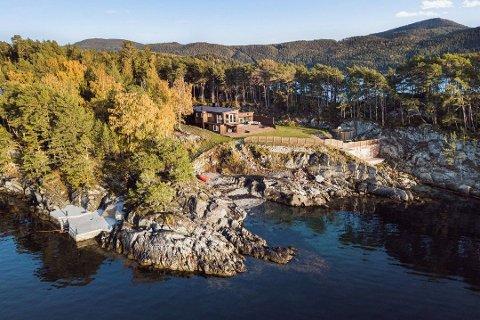 DYREST: Sandvikvegen 386 i Åsenfjorden i Levanger er solgt for kr 8.870.000 fra Raymond Molberg og Rr Bolig As til Helge Karstein Moen og Margret Fridriksson Moen