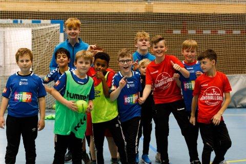 GØY: God stemning på Trønder-Avisas Håndballskole.