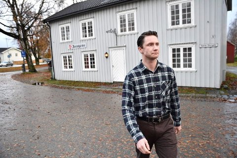 BEKYMRET: Ap-politiker Tor Martin Nordtømme sier han er bekymret for at opprettelse av et lensmannskontor på Levanger vil gå på bekostning av lensmannskontoret i Verdal. – Det vil i så fall bli komikveld, sier Nordtømme.