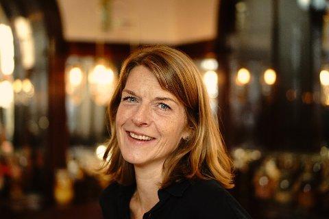 Elisabeth Egseth Hansen har takket ja til fire nye år som sjef for Trøndelag teater.