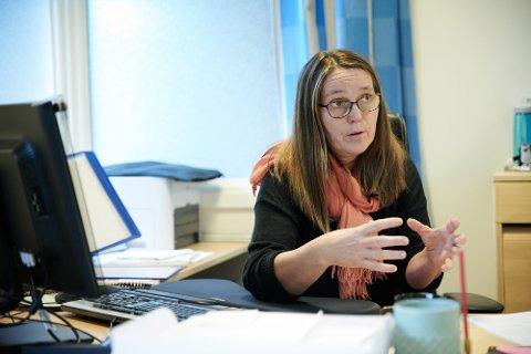 STRUKTUR: Leder i Skolelederforbundet og rektor ved Egge barneskole, Karin Tiltnes, mener Steinkjer kommune må vurdere skolestrukturen.