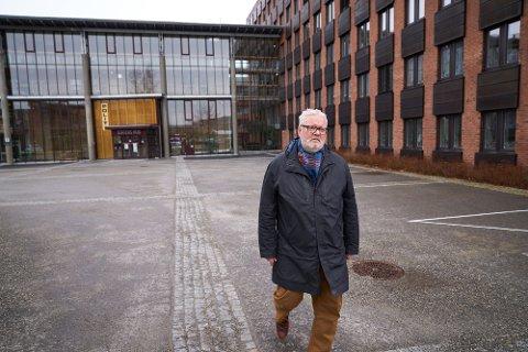 FØLGER MED: Statsforvalter Frank Jenssen følger nøye med situasjonen i Trondheim, hvor sju personer har fått påvist mutantsmitte.