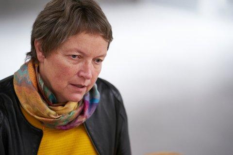EVALUERES: Rektor Hanne Solheim Hansen ved Nord universitet sier til nettavisa Khrono at hun det siste året stadig oftere har fått spørsmål om som går på at universitetslederne er for langt unna Trøndelag. Nå skal leder- og organisasjonsstrukturen ved universitetet evalueres.
